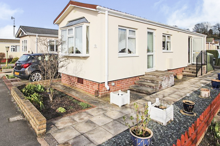 2 Bed House for Sale in Oak Avenue, Radcliffe on Trent