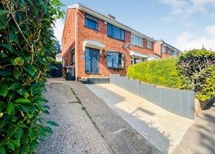 3 Bed House for Sale in Studfield Hill