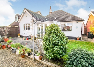 3 Bed Detached Bungalow for Sale in Cator Lane North, Chilwell, Beeston