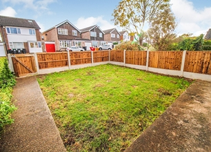 3 Bed Semi-Detached House for Sale in Lansdown Close, Chilwell