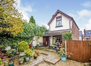 3 Bed Detached House for Sale on Derby Road, Stapleford
