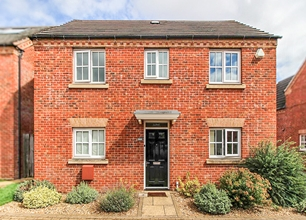 4 Bed Detached House for Sale in Grayson Mews, Chilwell, Beeston