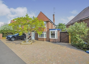 4 Bed Detached House for Sale in Hillside Drive, Long Eaton