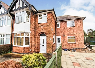 4 Bed Semi Detached House for Sale on Farm Road, Beeston