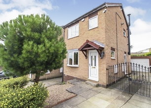 3 Bed Detached House for Sale in Piece End Close, High Green