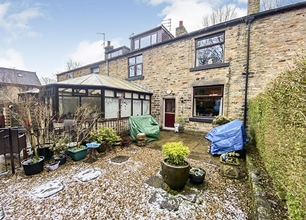 2 Bed Cottage for sale on North View, Summerseat