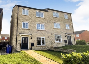4 Bed Semi-Detached House for Sale in Broadway Drive, Barnsley