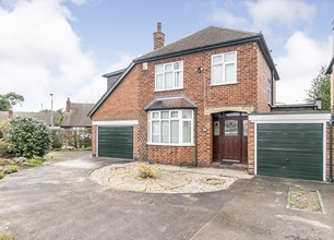 4 Bed Detached House for Sale in Elms Park