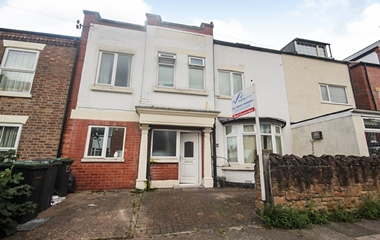 6 Bed House for Sale in 41 Middleton Street, Beeston