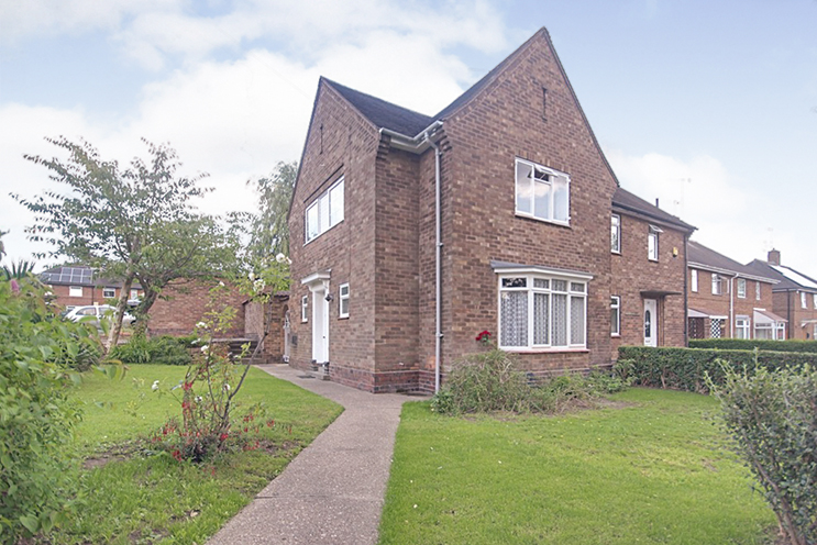 3 Bed Semi-Detached House for Sale in 168 Wollaton Vale, Wollaton