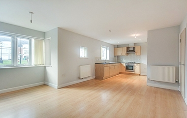 2 Bed Flat for Sale in 1 The Green Mews, Bestwood
