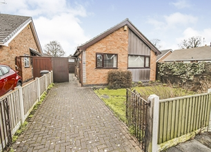 2 Bed Bungalow for Sale in Wheatley Grove, Beeston