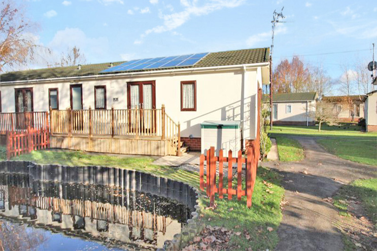 2 Bed Detached Bungalow for Sale in Moor Lane, Calverton