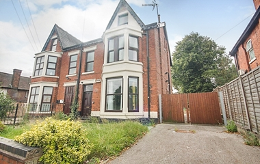 6 Bed Semi Detached House for Sale on 79 Heanor Road, Ilkeston