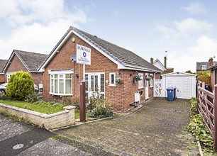 3 Bed Bungalow for Sale in Dormy Close, Radcliffe On Trent