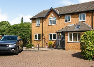 4 Bed Detached House for Sale in Windermere Close, Gamston