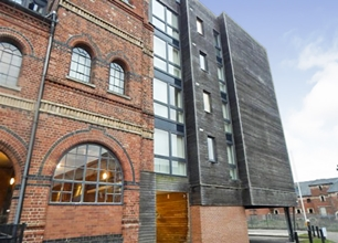 2 Bed Flat for Rent in Warwick Brewery
