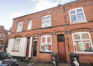 2 Bed House for Sale in Tewkesbury Street