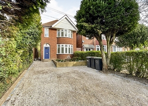 3 Bed Detached House for Sale on Derby Road, Bramcote