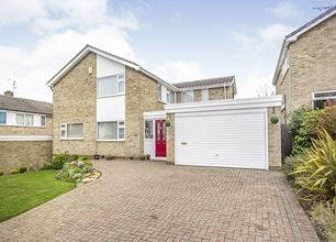 4 Bed Detached House for Sale in Troutbeck Crescent, Bramcote