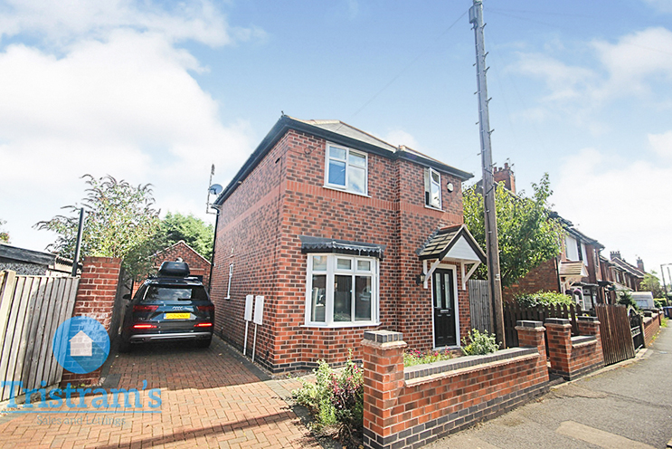 3 Bed Detached House for Sale in Norfolk Road, Long Eaton
