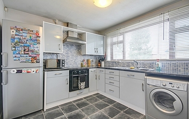 2 Bed Detached Bungalow for Sale in Helen Close, Chilwell, Beeston