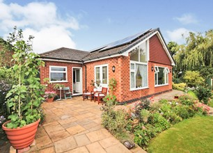 3 Bed House for sale in Morton Gardens, Radcliffe-On-Trent