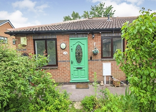 2 Bed Bungalow for Sale in The Dovecotes, Beeston