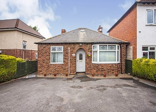 2 Bed Bungalow for Sale on Grantham Road, Radcliffe On Trent