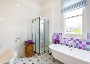 4 Bed Detached House for Sale on Douglas Road