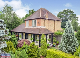 3 Bed Detached House for Sale in Trowell Moor