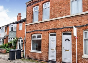 3 Bed Terraced House for Rent in Newmarket Street, South Knighton