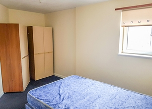 1 Bed Flat for Rent in Glebe Street