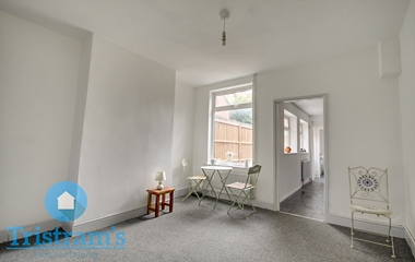 3 Bed Mid Terraced House For Sale On 211 Bobbers Mill Road