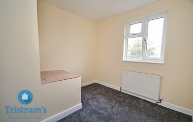 3 Bed Semi-Detached House for Rent in Glaisdale Drive East