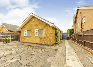 2 Bed Detached Bungalow for Sale on High Road, Chilwell