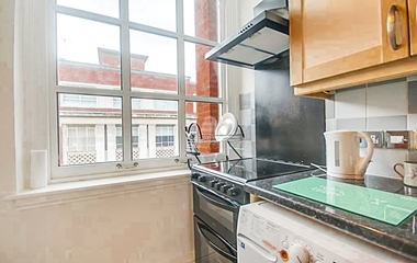 1 Bed Flat for Sale in Park Row